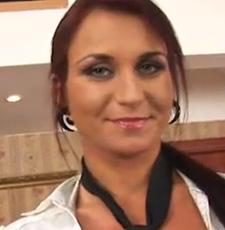 Klik hier om de pornoster pagina van Roxy Taggart te bekijken