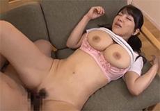 Aziatische tiener krijgt sperma in haar kutje..