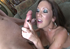 Geil wijf heeft hete seks met haar buurjongen